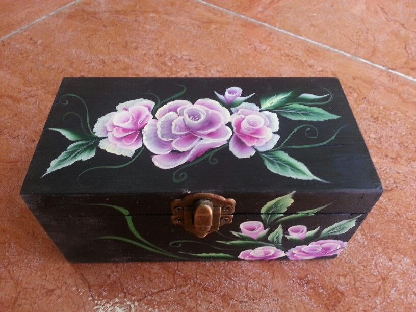 Caja de madera pintada a mano mis manualidades pinterest box - Cajas madera para manualidades ...