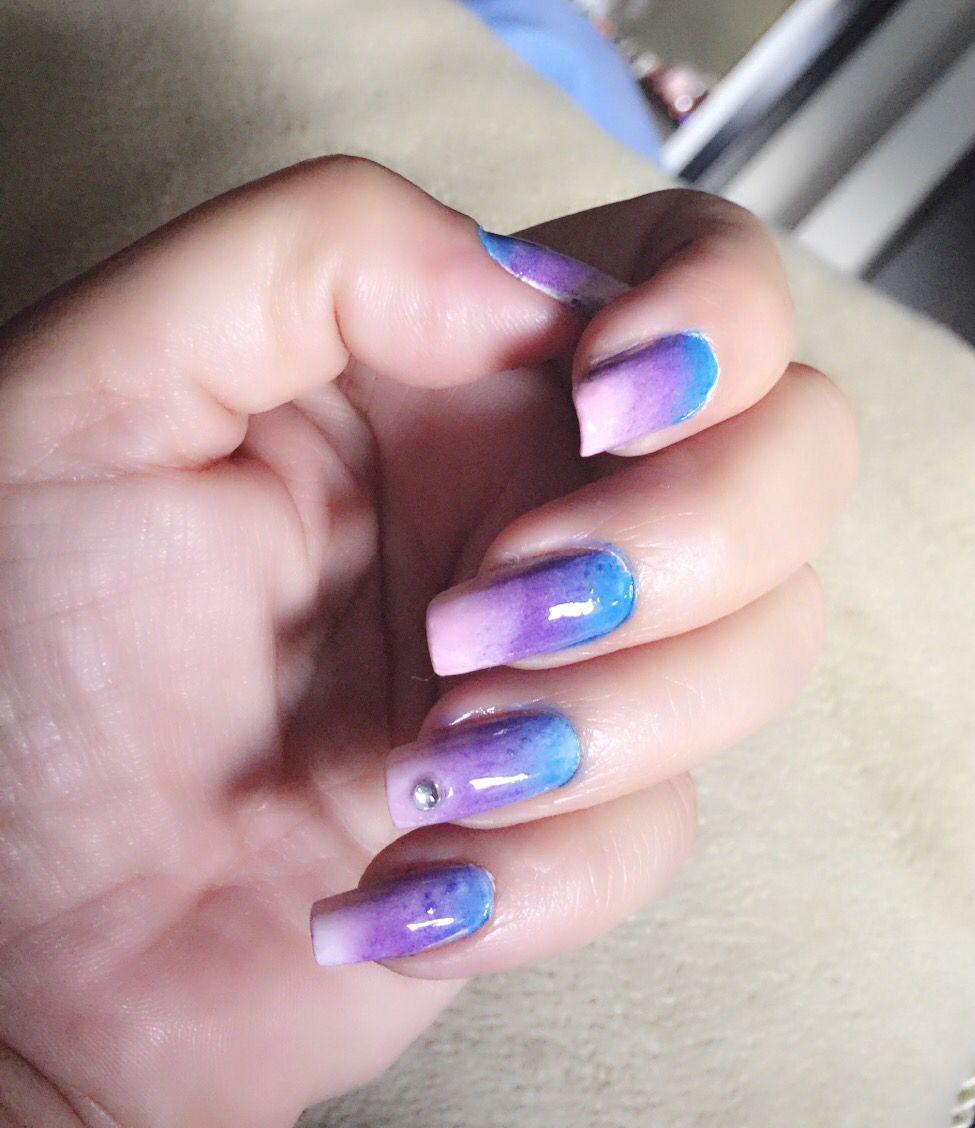 Ombre nails, blue + pink Uñas degradadas rosado, lila y azul   Uñas ...