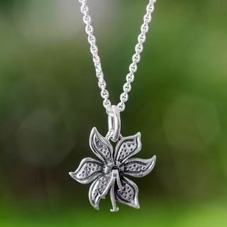 Handcrafted Sterling Silver 'Springtime' Necklace (Mexico)