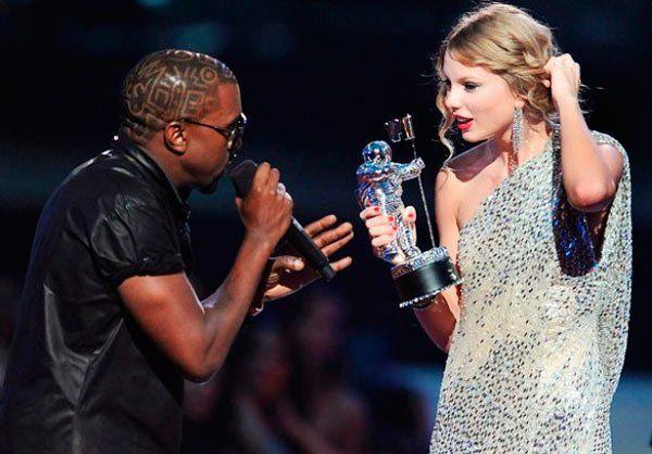 Kanye West Disses Taylor Swift Again I Don T Regret Vma Interruption Mtv Awards Kanye Interrupts Taylor Taylor Swift Vma