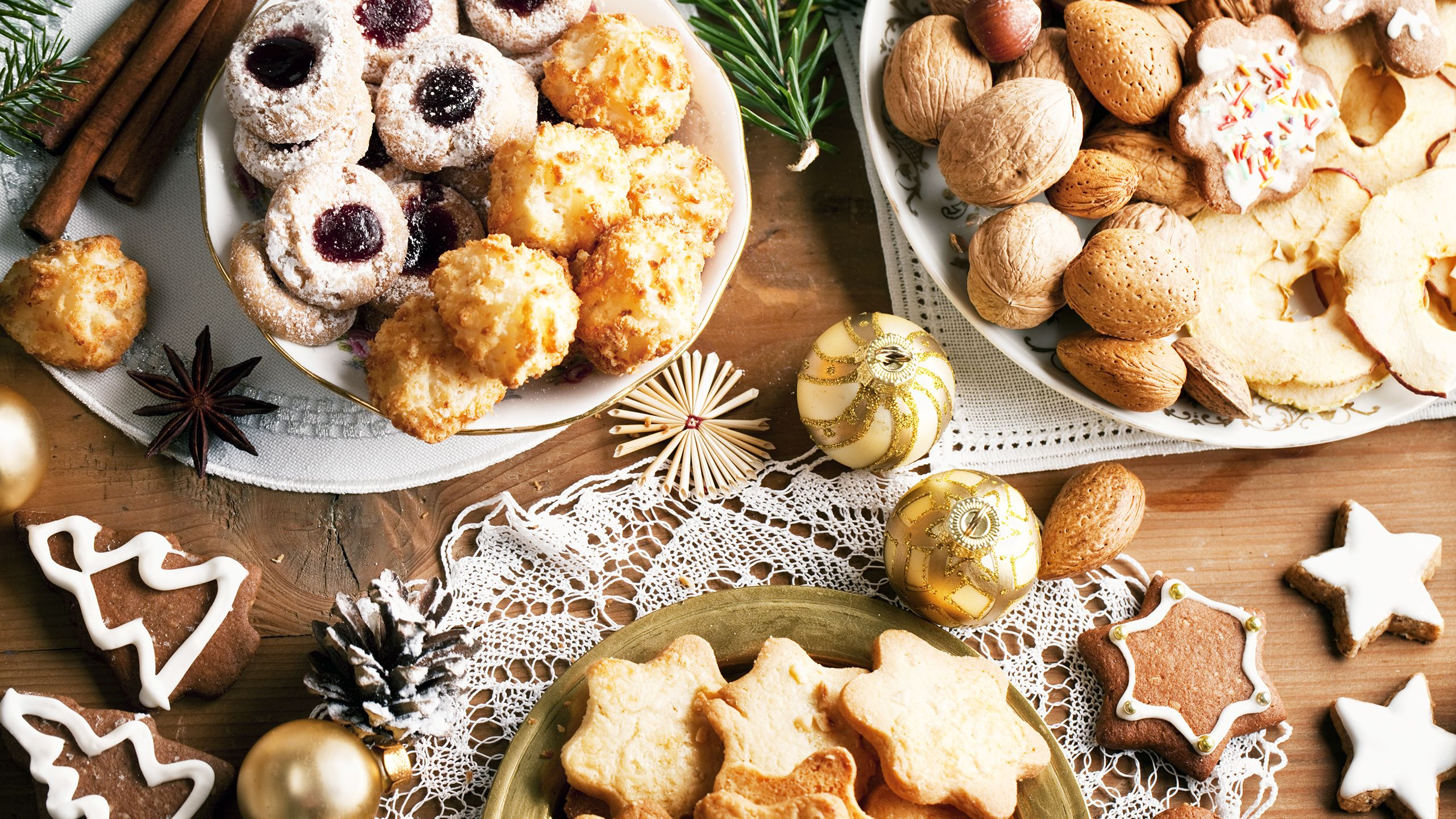 Dorie Greenspan, author of the James Beard Award-winning cookbook 'Dorie's Cookies,' shares her best holiday baking tips and a delicious recipe.It's the most wonderful time of the year: Cookie …