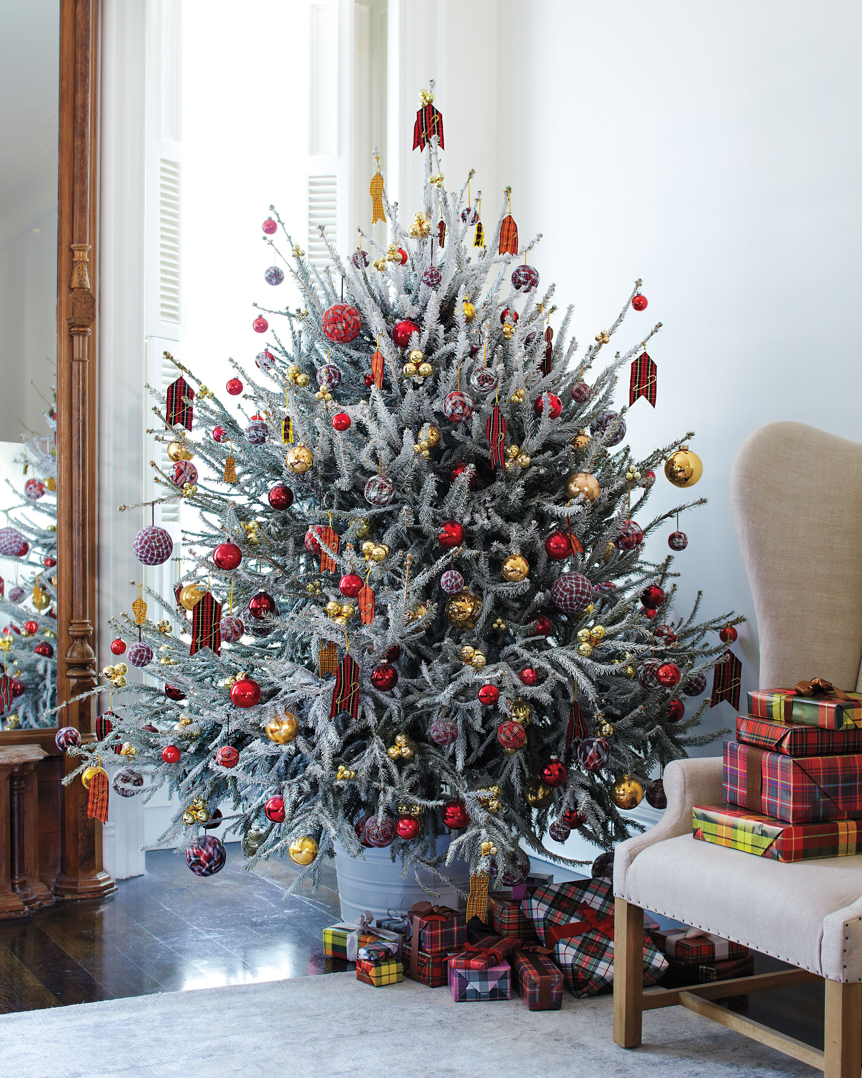 Christmas Trees Make It Sparkle Make It Your Own Christmas Decor Diy Creative Christmas Trees Christmas Diy