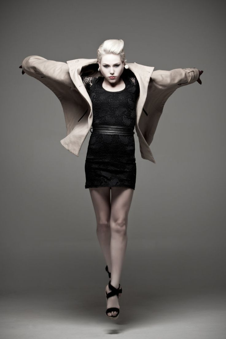Movement in fashion photography 60