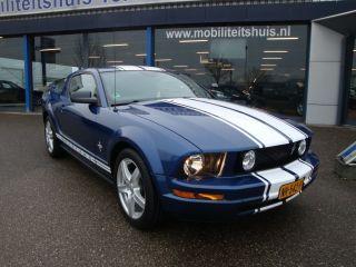 Ford Mustang - 4.0i V6 5m