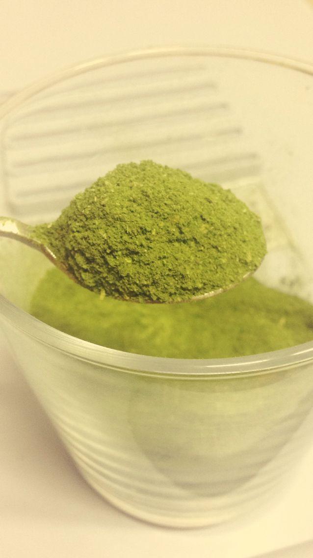 spinach powder + honey