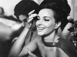 Musas dos Anos 60 | Primeira dama, Jacqueline kennedy onassis, Moda  brasileira