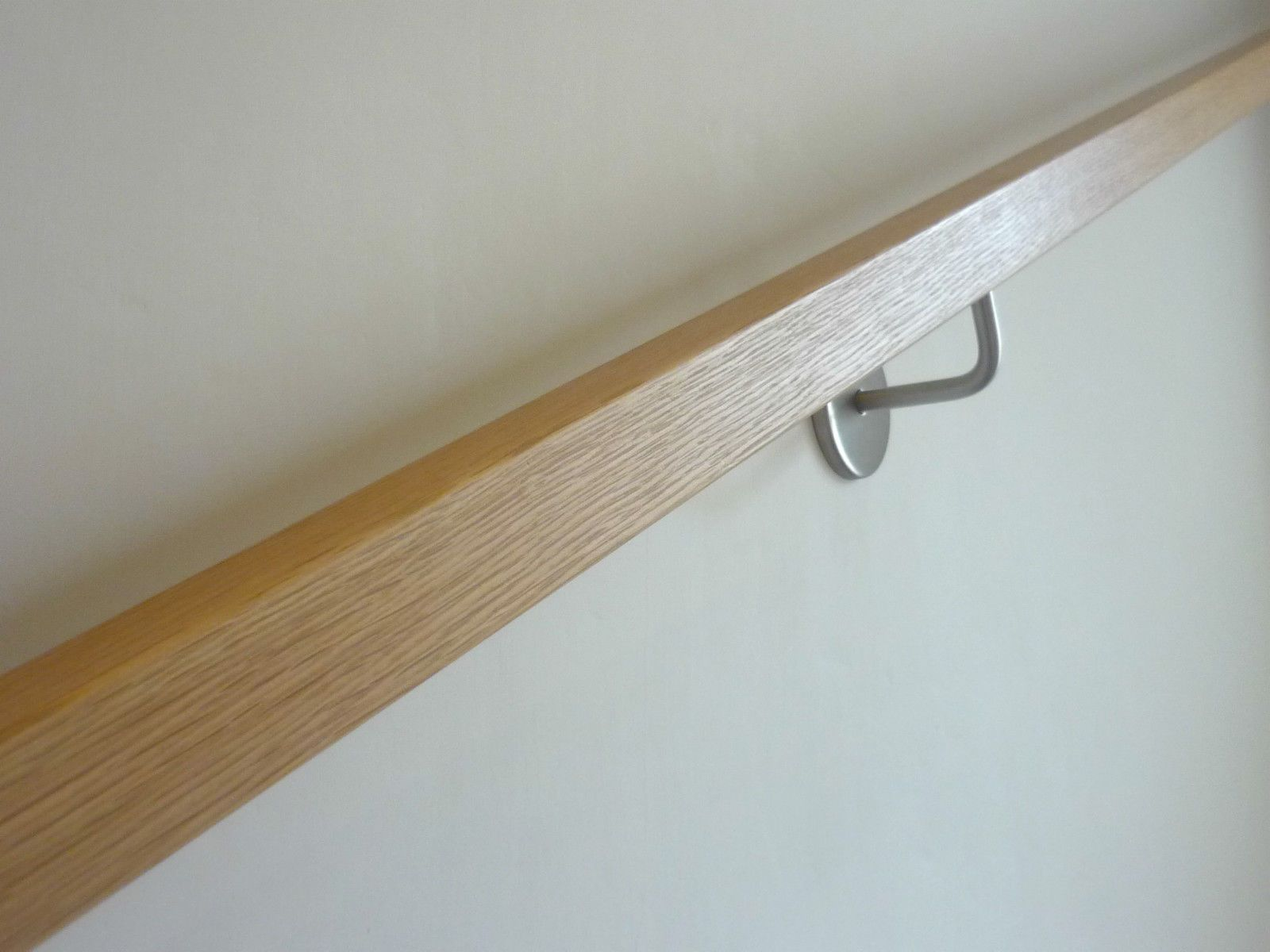 Best Details About Modern Square Solid Oak Handrail With 640 x 480
