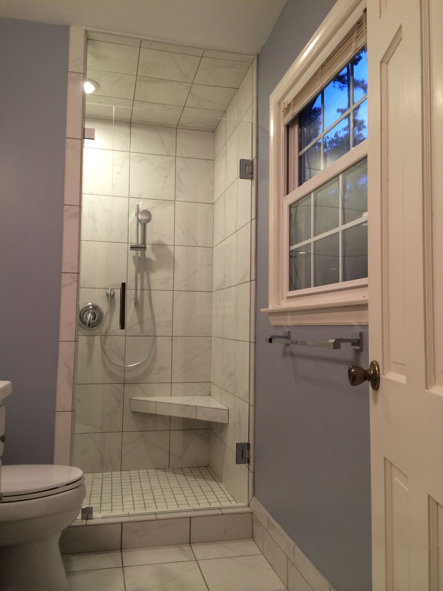 Single Door And Panel Tile Looks Like Marble Without The