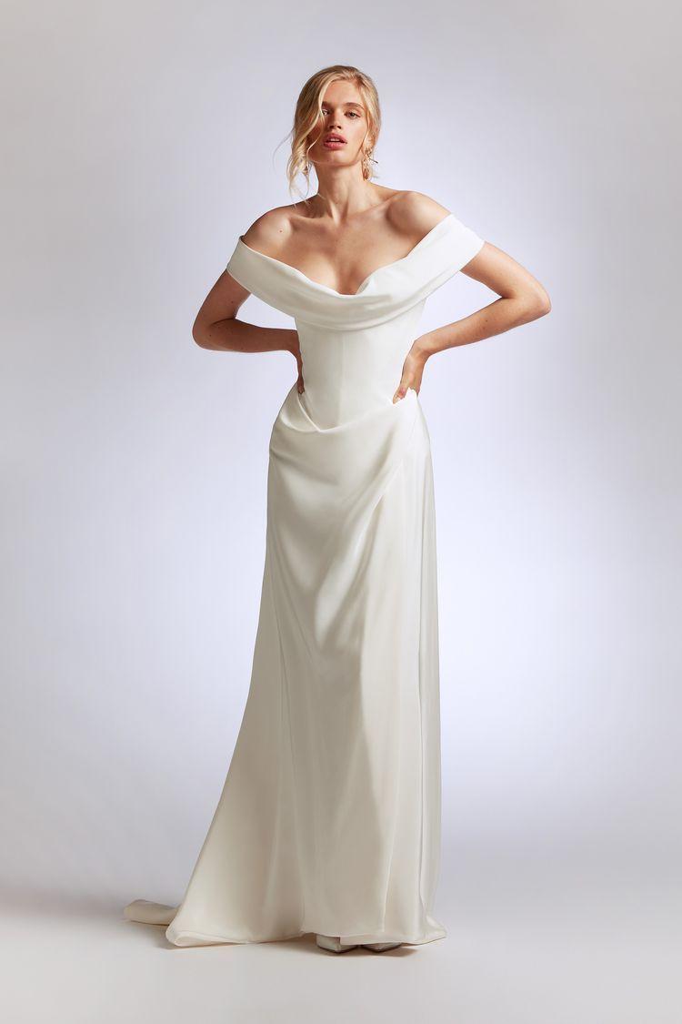 Vivienne Westwood Wedding Dresses By Season Vivienne Westwood Wedding Dress Vivienne Westwood Wedding Vivienne Westwood Bridal [ 1125 x 750 Pixel ]
