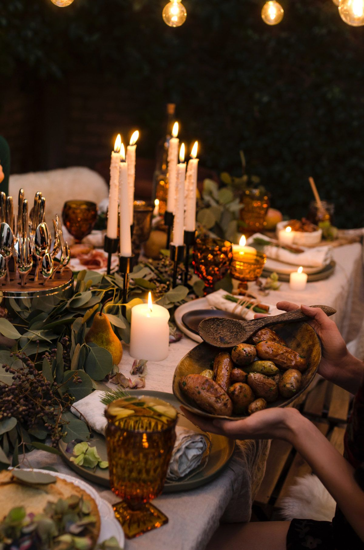 A Soiree Under The Stars | Winter dinner party, Table ...