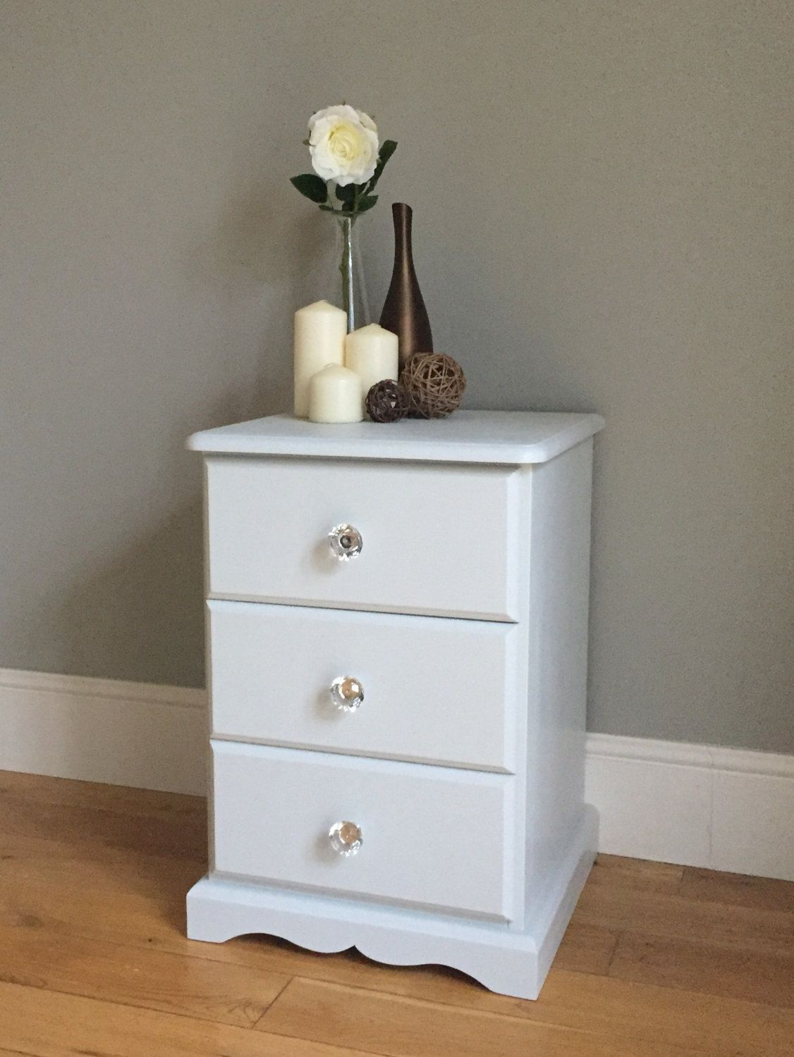 Best Pine Painted Bedside Table Light Grey Off White By 400 x 300