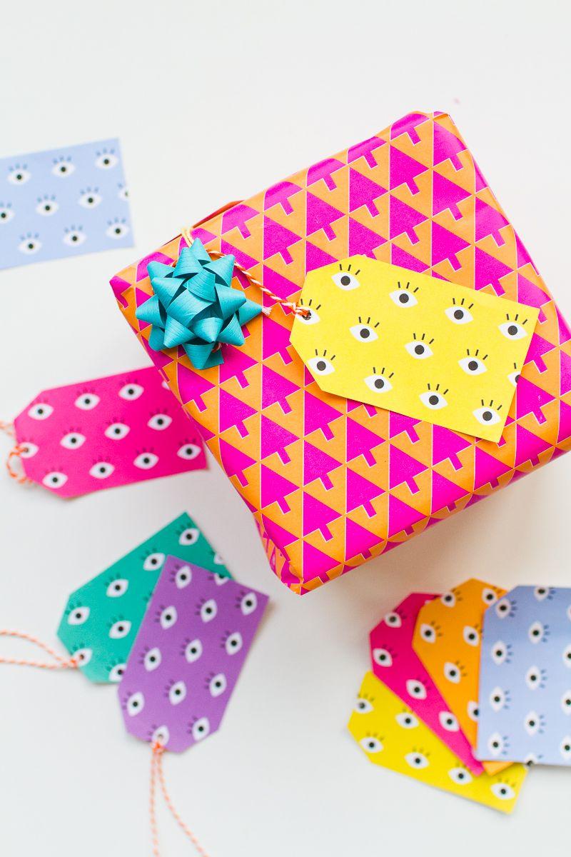 free printable eye gift tags for your christmas gift wrap | art of
