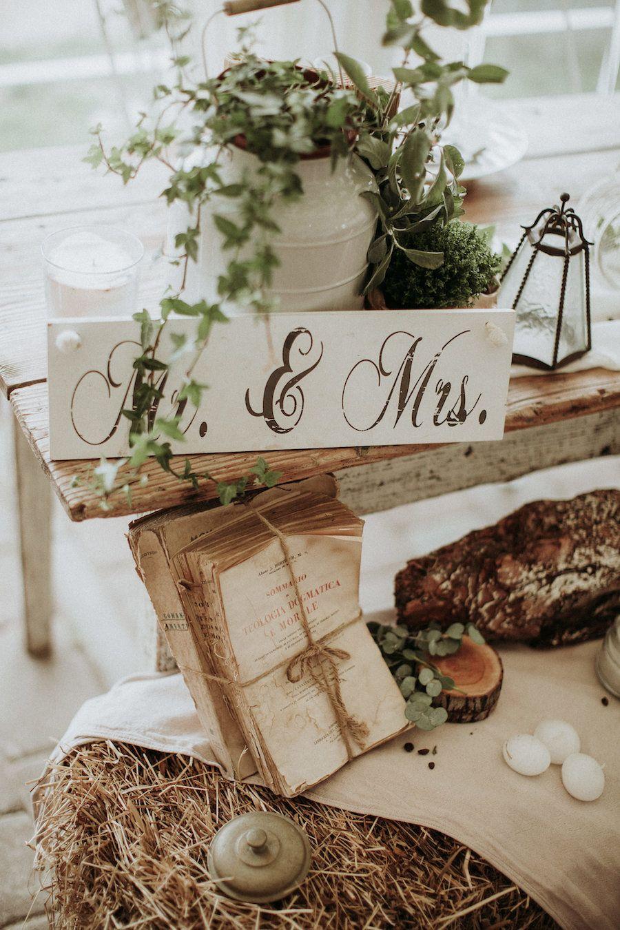 Un matrimonio rustico e retrò  Wedding decorations for sale