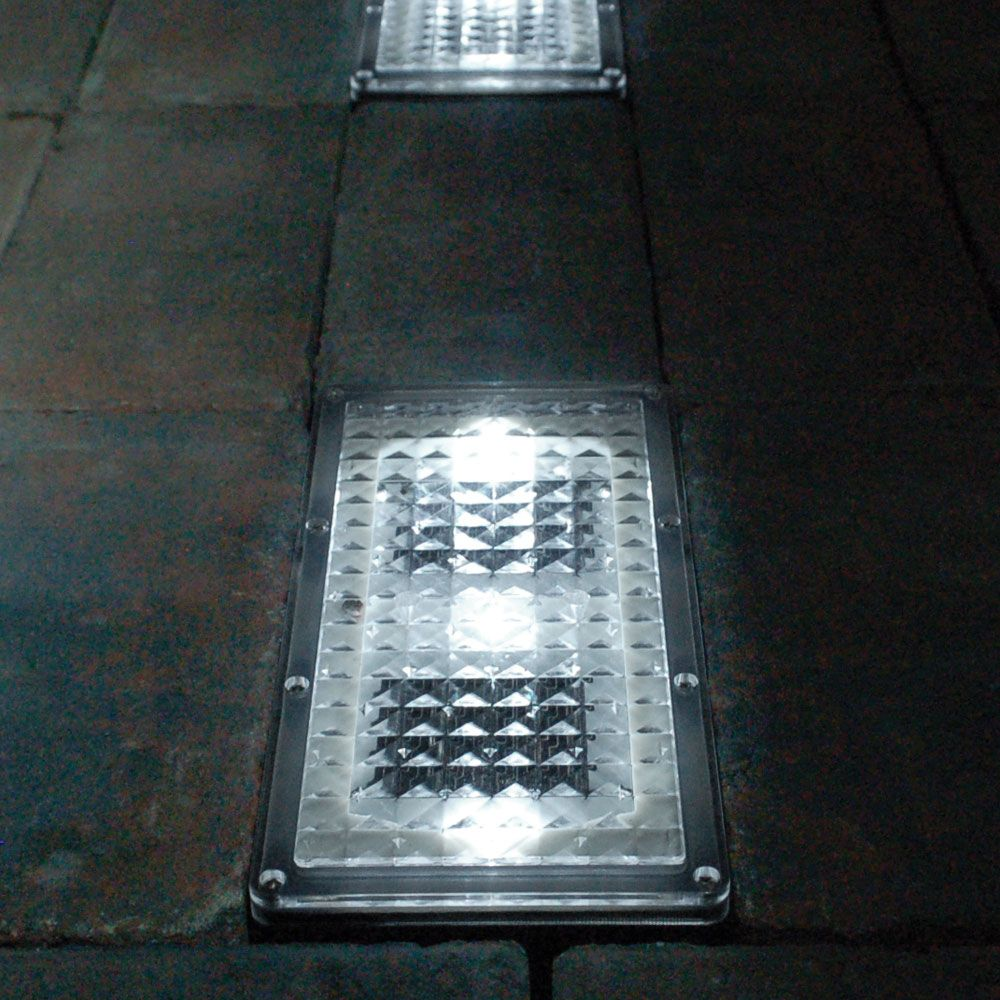Paverlight Solar Brick Lights Set Of 2 Driveway Lighting Brick Pavers Outdoor Solar Lights