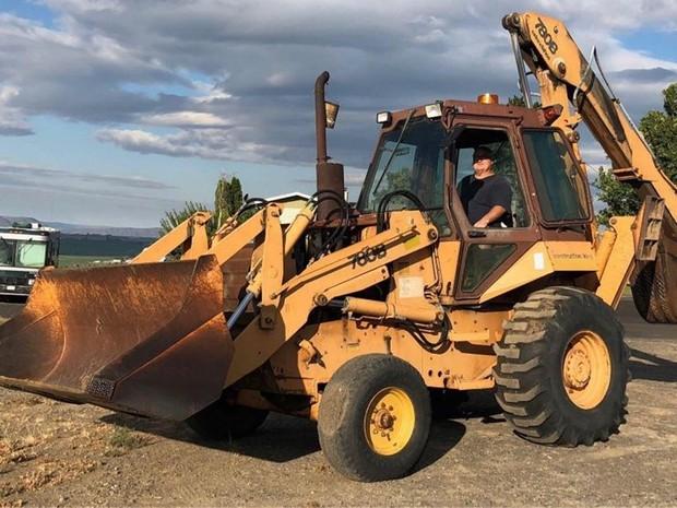 Case 780b Tractor Loader Backhoe Service Repair Manual Instant Download Parking