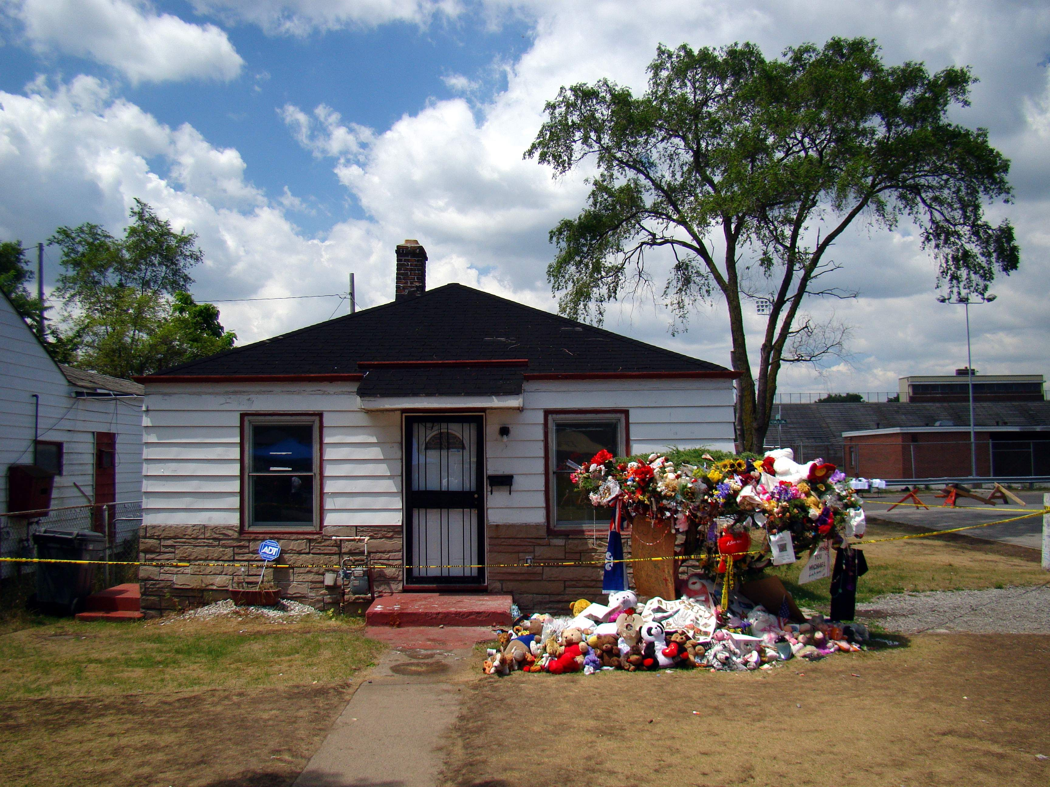 michael jackson s childhood home in gary na showing floral michael jackson s childhood home in gary na showing floral tributes after his death in an interview martin bashir later included in t