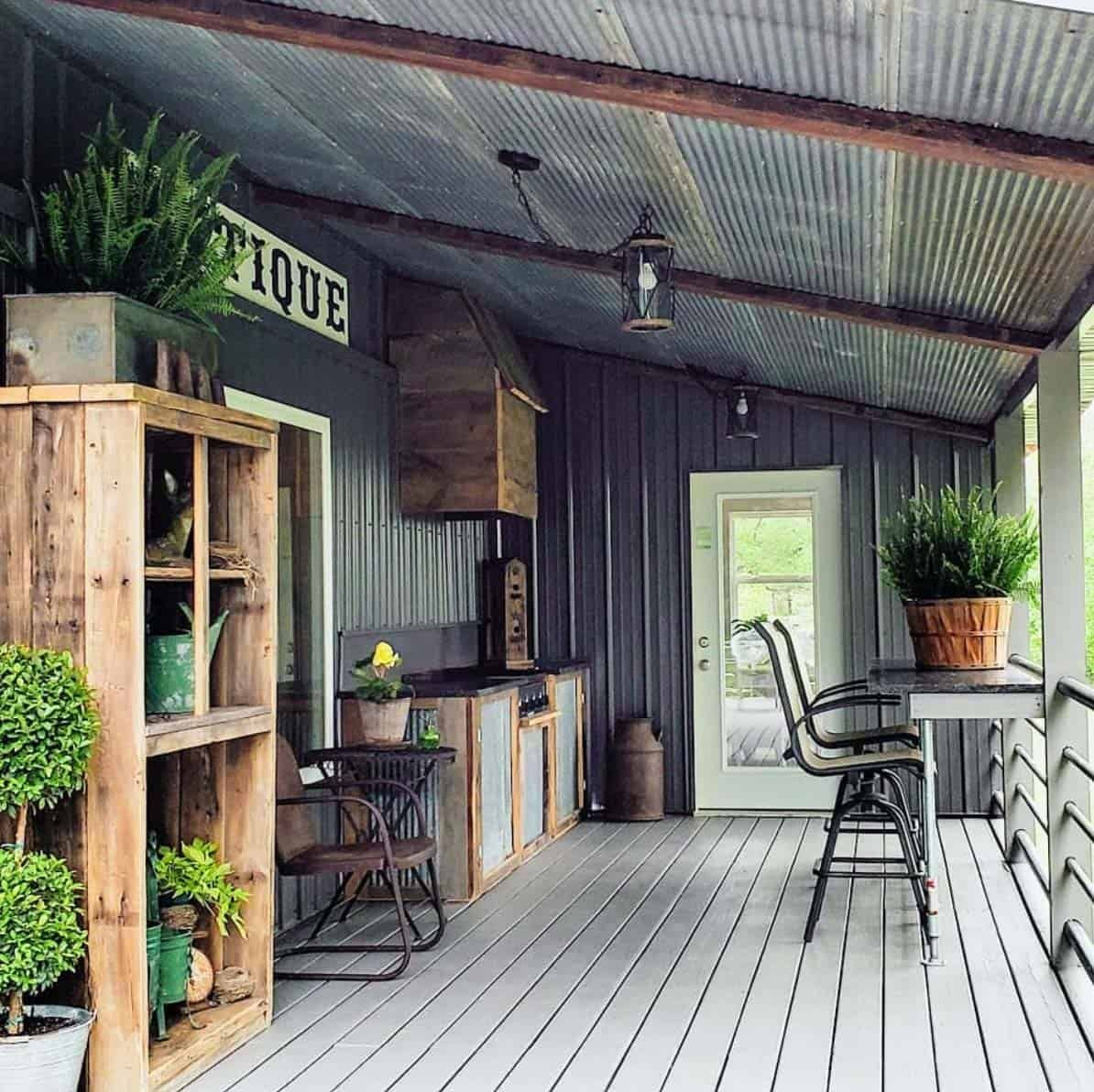 30 Gorgeous And Inviting Farmhouse Style Porch Decorating Ideas Porch Decorating Porch Design House With Porch