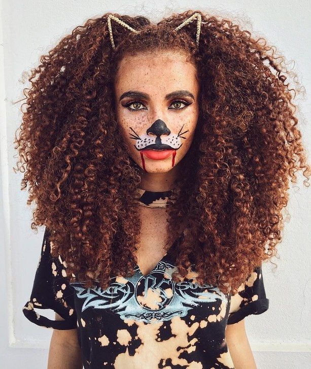 19 Halloween Costumes You Can Do With Just Hair Halloween Hair Curly Halloween Costume Natural Hair Styles