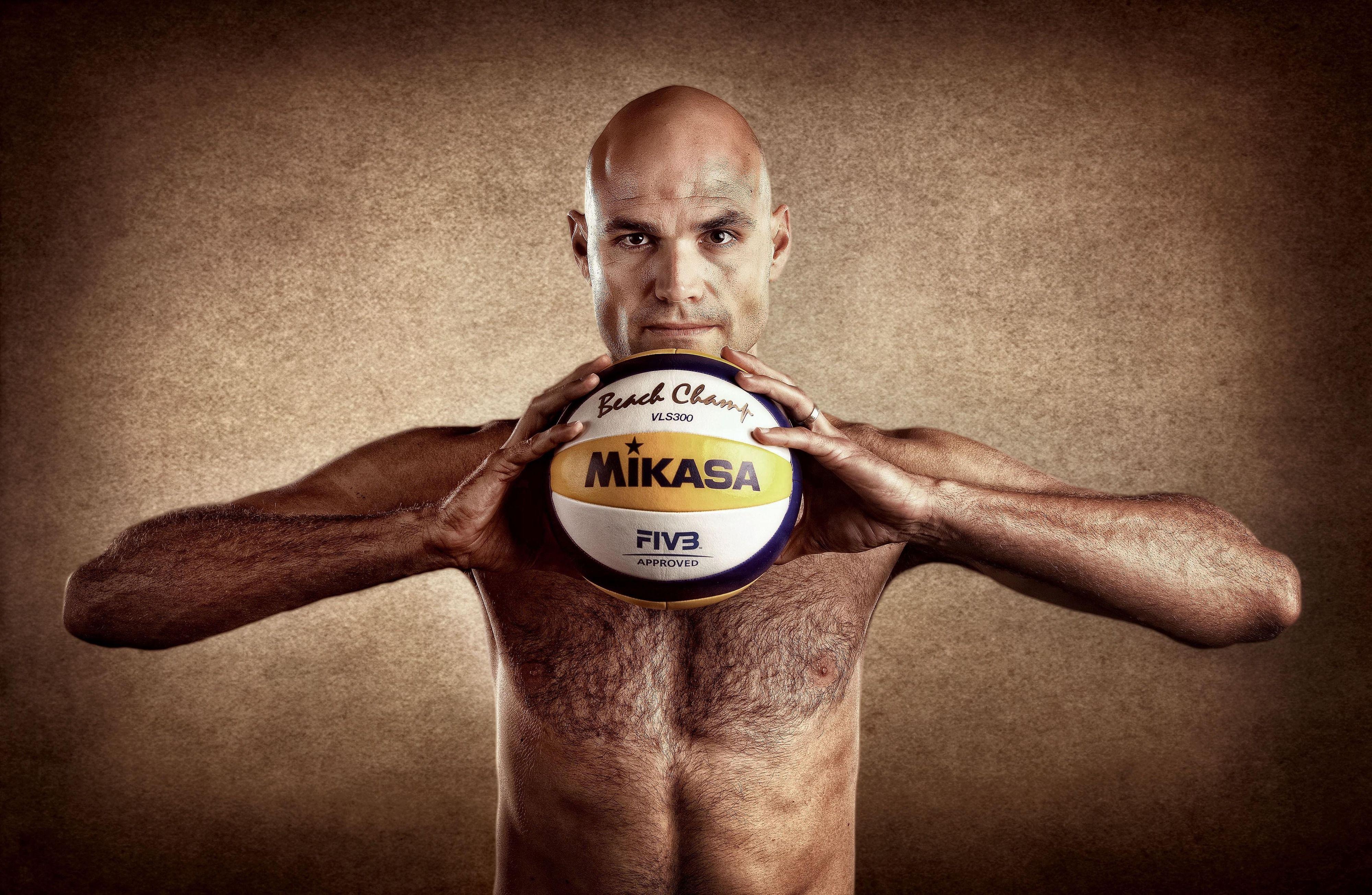 Men S Beach Volleyball Player Phil Dalhausser Summer Olympic Games Volleyball Players Men Beach