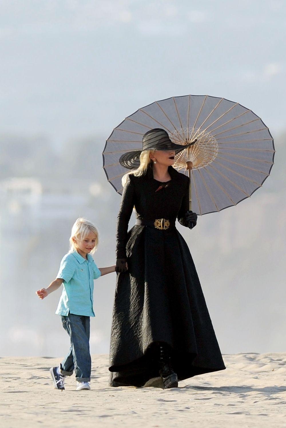 Ladygagadaily Lady Gaga Filming Ahs Hotel In Los