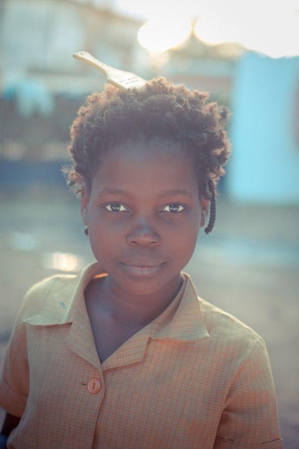 "iluvsouthernafrica: "" Mozambique: A local girl in Chimoio. Photo by Nicholas Zajicek """