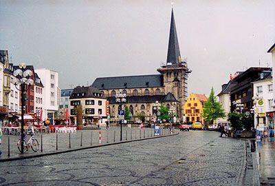 Moenchengladbach Germany Monchengladbach Alter Markt Mit Pfarrkirche Rundgang 017 Germany Places In Europe East Europe