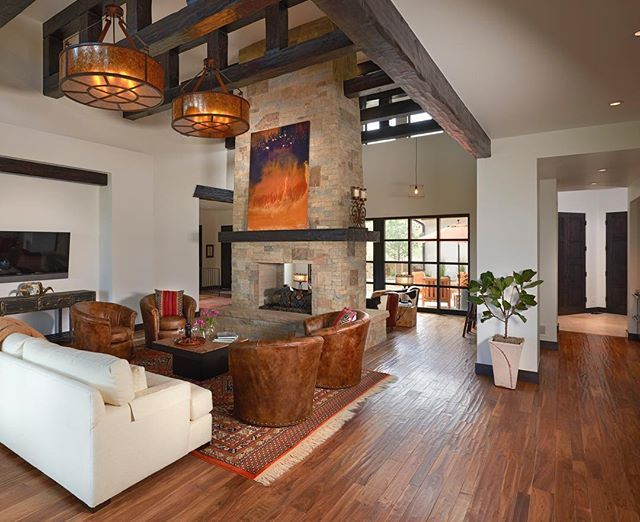 rustic grand victorian living room design | Grand and rustic living room design with exposed beams and ...