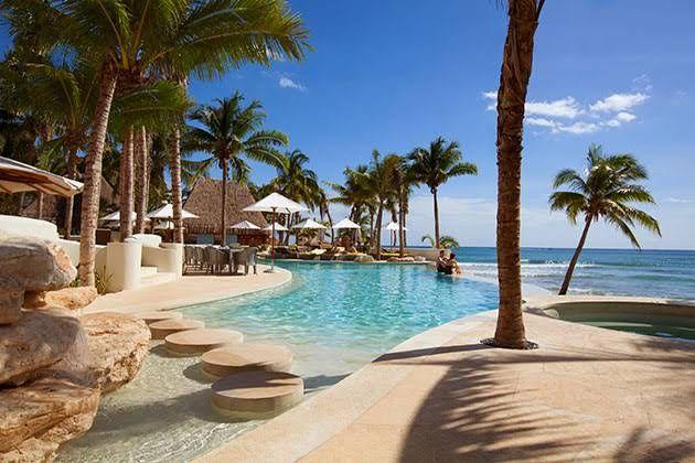 playa del carmen mexico Las Olas Pool
