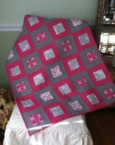Crafty Garden Mom: F.O.- Pink & Gray Baby Quilt