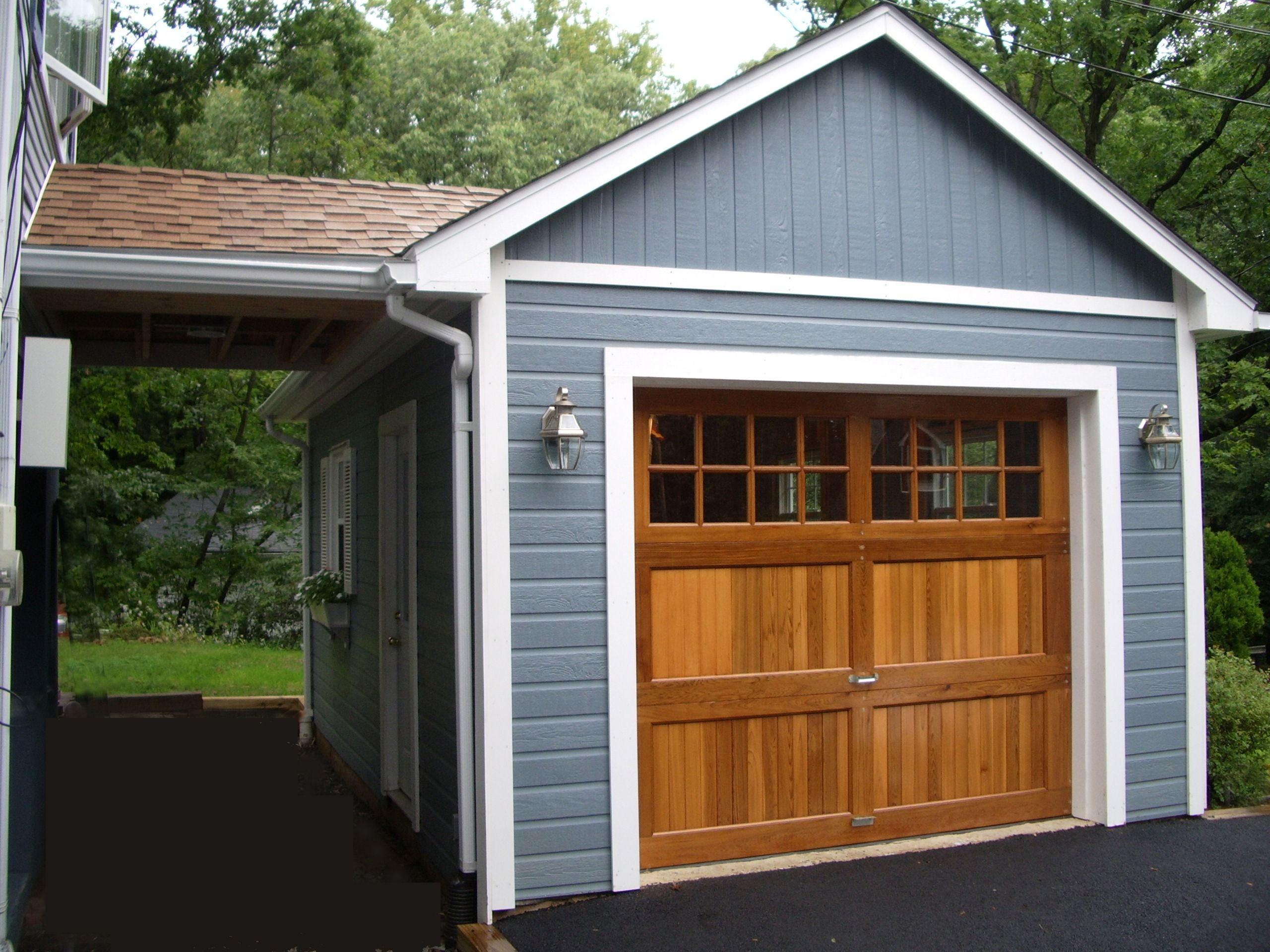 Summerwood Highlands Garage With Lots Of Storage Space Backyard Garage Best Garage Doors Garage Door Design