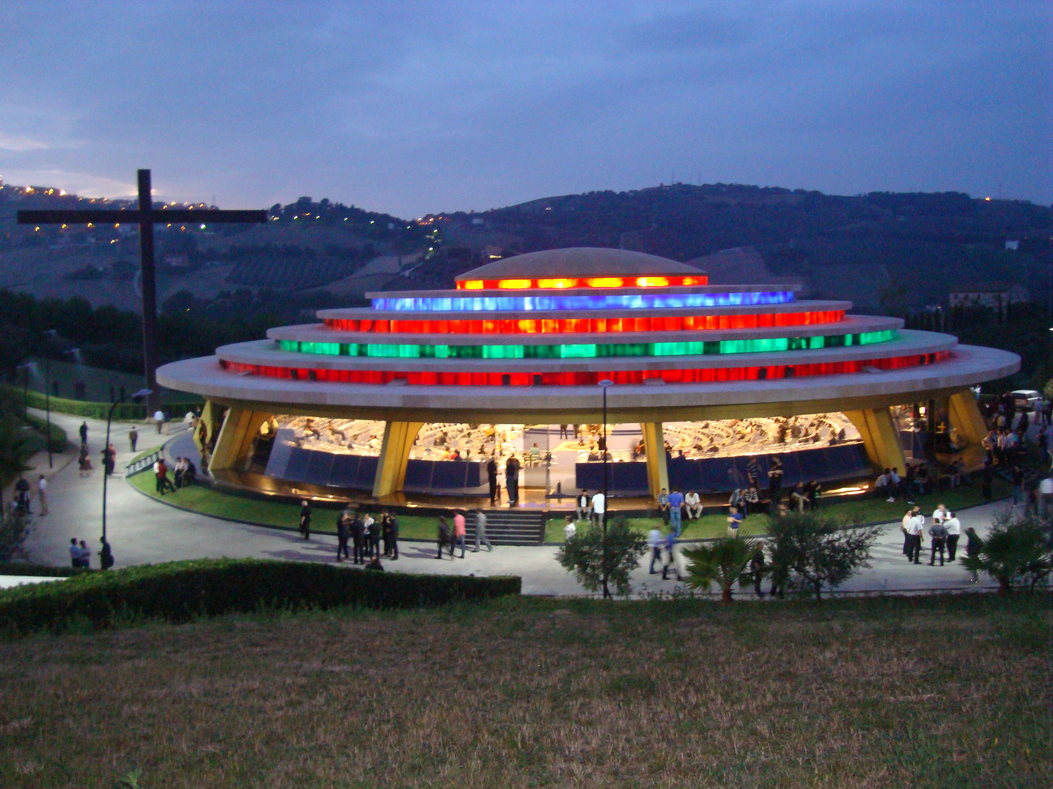 Centro neocatecumenal internacional servo di jahveh for Arco arredamenti san giorgio
