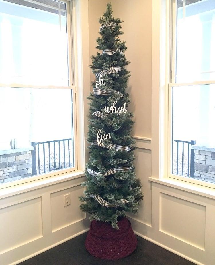 Holiday HowTo Small Tree Skirt DIY Sinkology Small