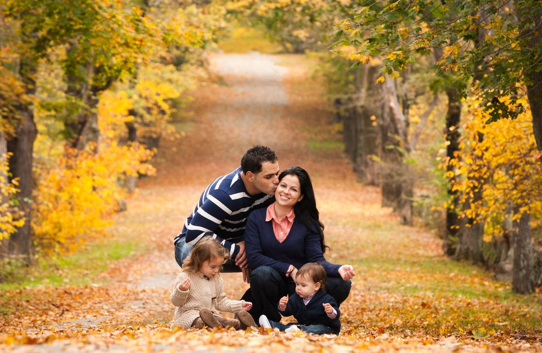 #familyphotos #family #children #mother #father #fall