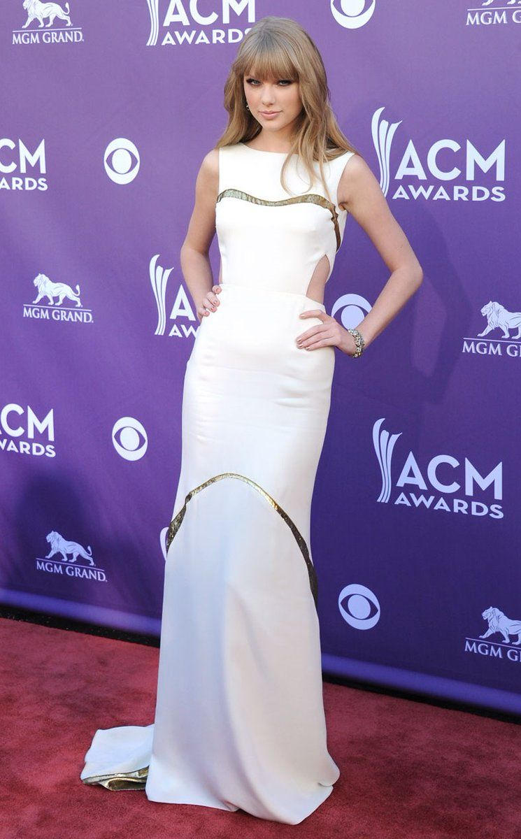 ACM Awards Red Carpet 2012 Photos — Taylor Swift, Carrie