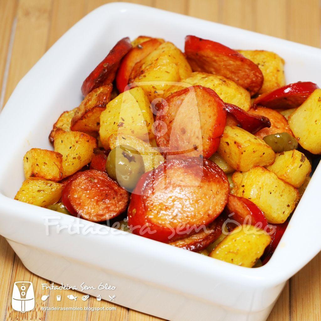 Salsichas com Batatas / Sausage and Potatoes na AirFryer | Fritadeira sem Óleo - AirFryer