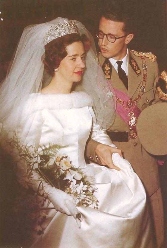 la tiara del imperio belga. es una versatil tiara de diamantes, que