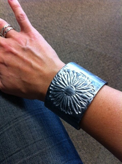 Silver Daisy Cuff Polymer Clay Bracelet by BethsGemBoutique