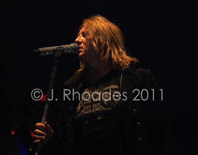 Def Leppard Concert W Heart In Freedom Hall Louisville Ky 8 19 11 With Janet M Obviously Not My Picture But It Wa Def Leppard Concert Def Leppard Concert