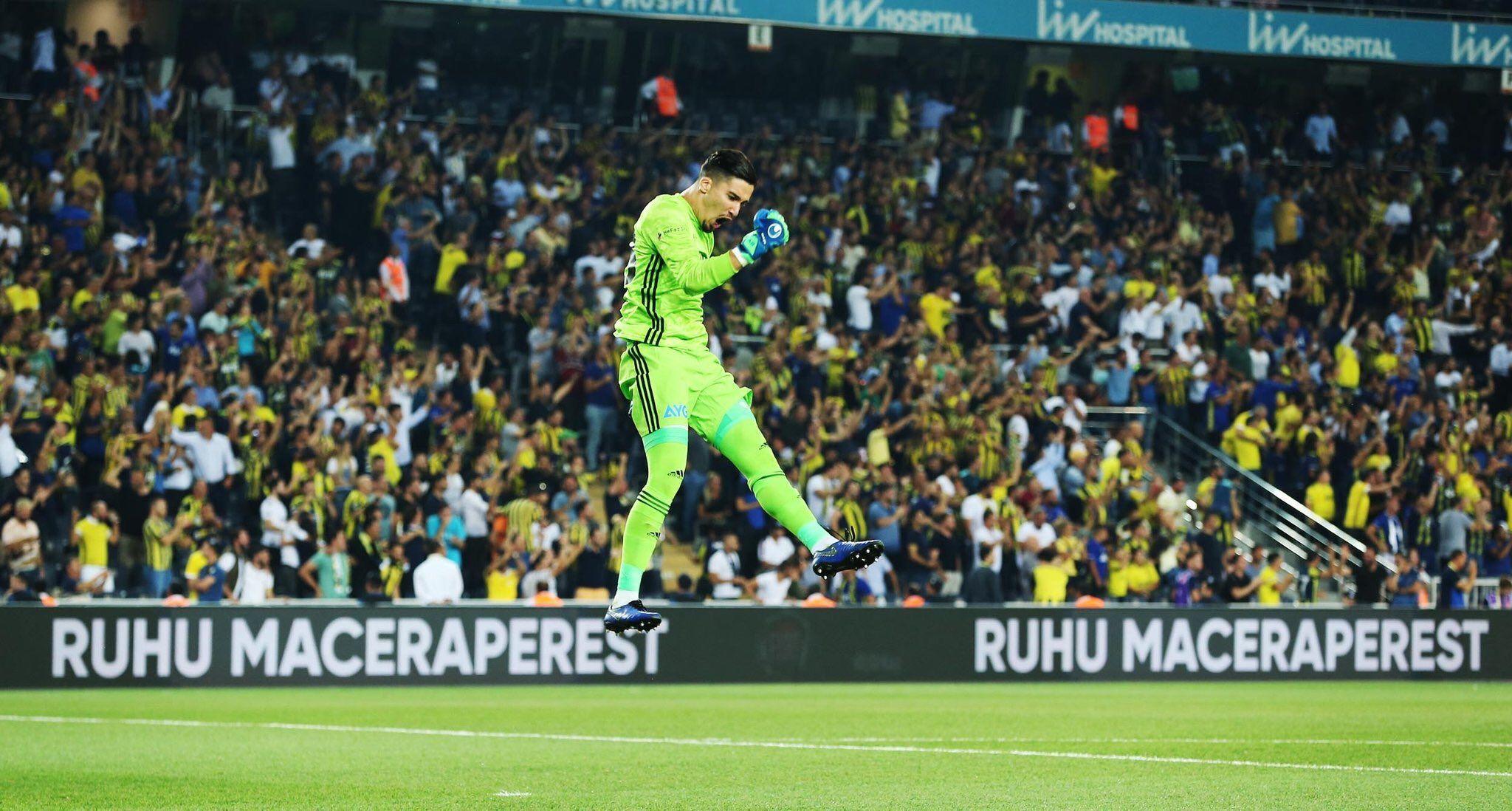 S E R O T O N I N On Twitter Soccer Field Twitter Sports