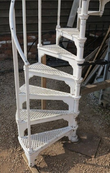 Best White Cast Iron Reclaimed Spiral Staircase Spiral 400 x 300