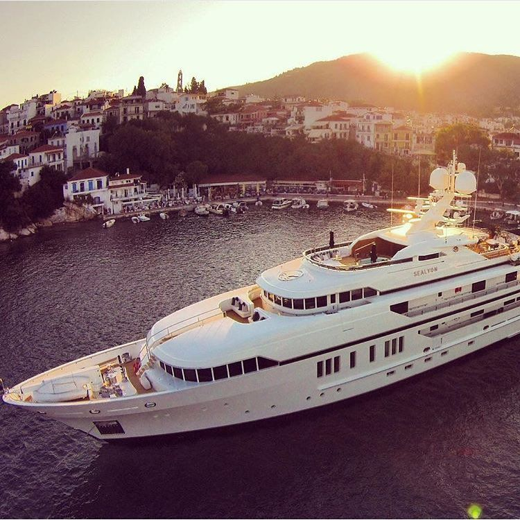 """""""The Yacht Life  