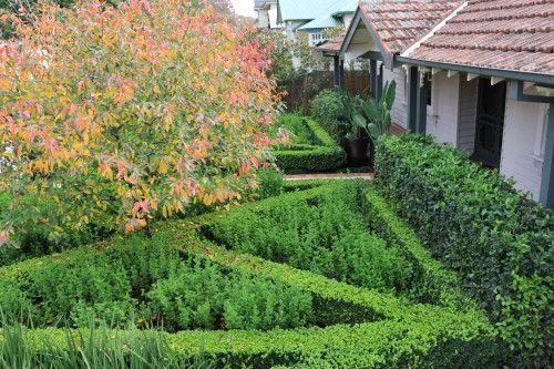 Garden Farewell: Gallerie B