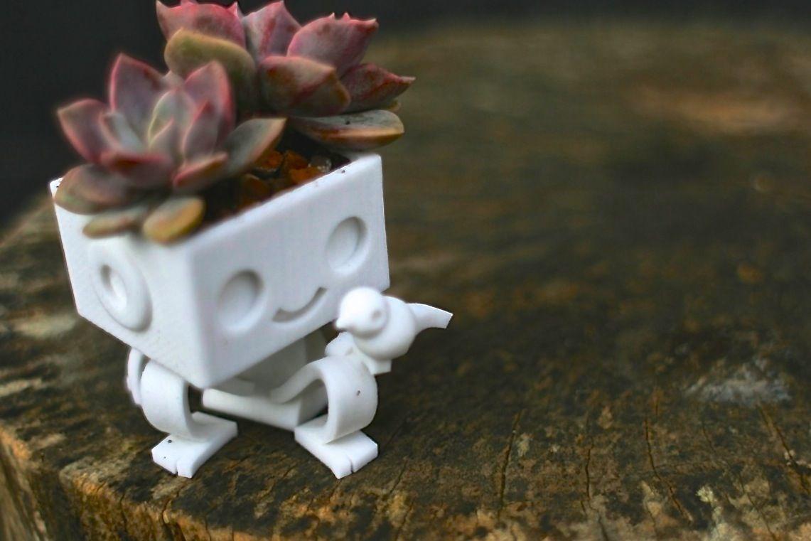 XYZ Workshop » Robbie The Robot planter