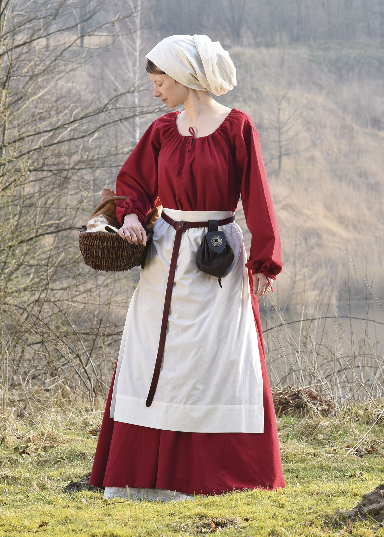 medieval apron // schürzen wurden im mittelalter sowohl von