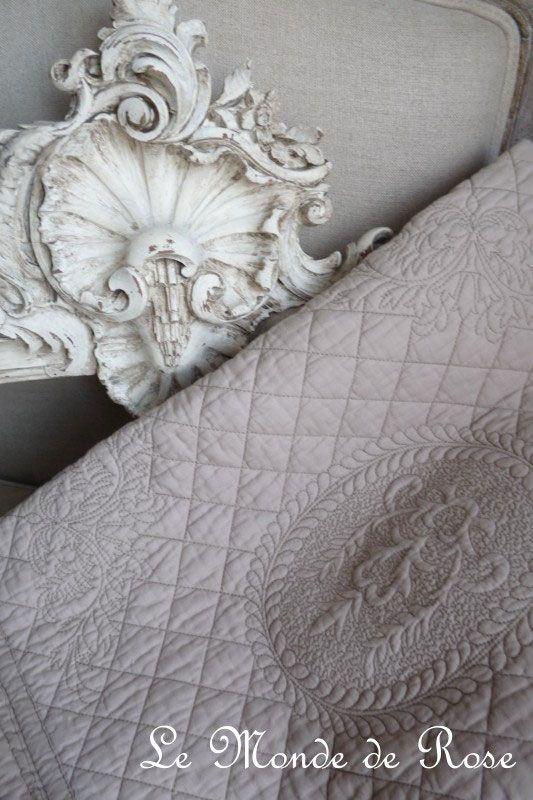 couvre lit boutis decoration rideaux rideau voilages stores brise bise cantonni re rideaux lin. Black Bedroom Furniture Sets. Home Design Ideas