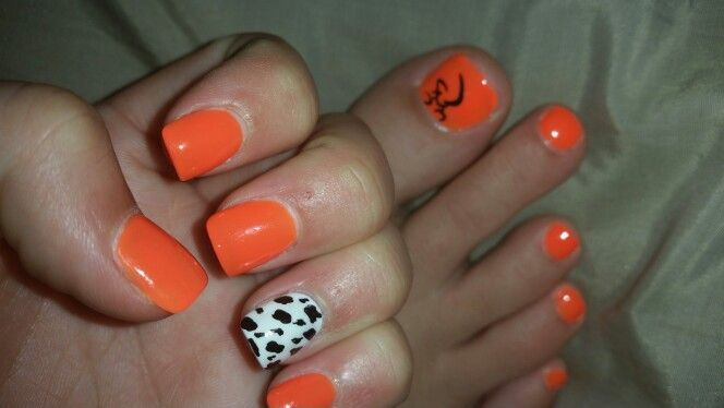 Browning and cow print nails!