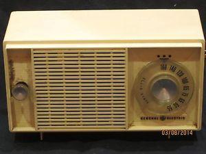 Vintage Antique 1950s General Electric Ge Am Tabletop Radio Vintage Radio Vintage Antiques General Electric
