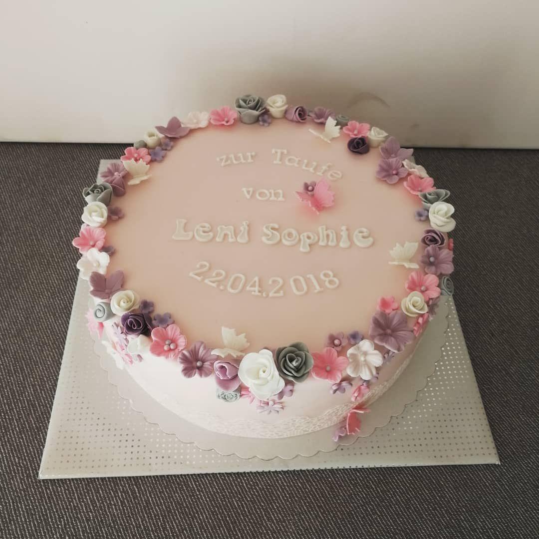 Christina Deimling Klaus On Instagram Eine Susse Tauftorte Fur Leni Sophie In Zartrosa Mit Blumchen Gefullt Taufe Kuchen Taufe Kuchen Madchen Torte Taufe