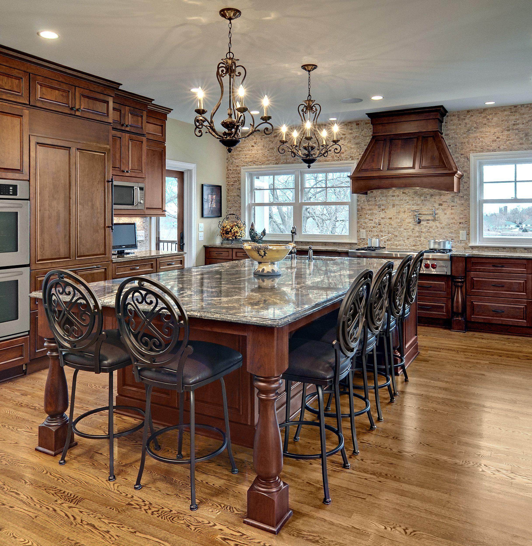 Traditional Kitchen Design: An Elegant Kitchen Remodel