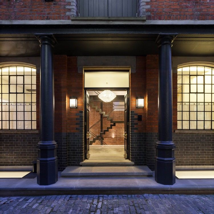 London Apartments Exterior: The Cooperage / Chris Dyson Architects